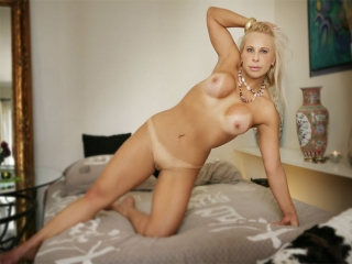Bresilienne blonde vous attend sur Paris