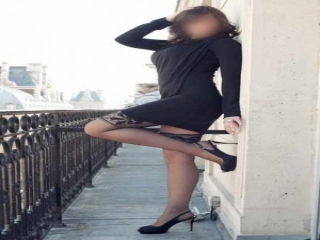 Belle brune de Paris 17 pour homme distingué - photo 1